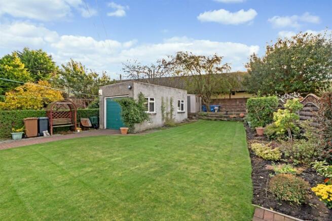 back-private garden
