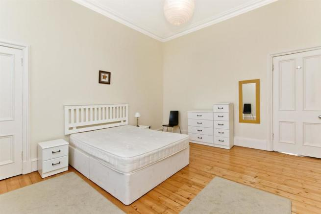 bedroom 1-angle2.jpg