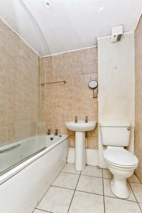Image 8 bathroom.jpg