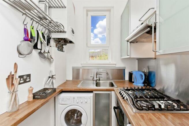 Image 5 kitchen 2.jpg