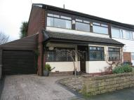 Town House for sale in Mainway East, Alkrington...