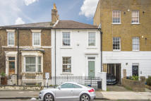 3 bed property in Stamford Road...