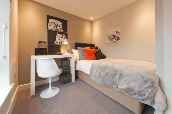 Marford_bedroom_1