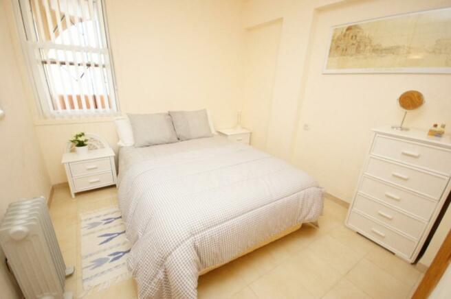 Bedroom 1 i