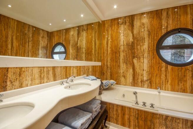 2.nd Bathroom