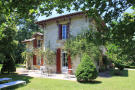 property for sale in Very close to shops and Pineuilh Sainte Foy la Grande, 20 min. Bergerac and Eymet