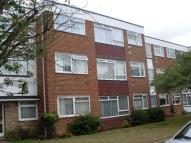 Flat to rent in Randall Drive...
