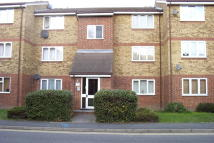 Sterry House Stirling Close Flat to rent