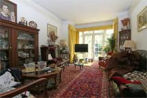 6 bedroom semi detached property in Chelmsford Square...
