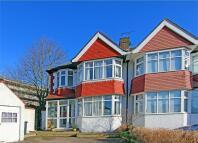 semi detached house in Rosecroft Gardens, London