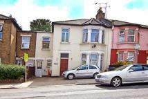 4 bed semi detached property in Lansdowne Grove, London...