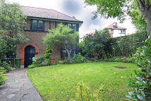 3 bedroom semi detached house in HOMESTEAD PARK, London...