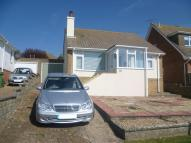 Detached Bungalow to rent in Cissbury Crescent...