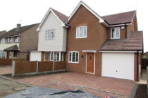 4 bedroom semi detached house to rent in Oakfield Road, Benfleet...