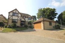 4 bed Detached property in Totland Bay...