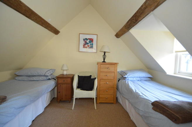 COACH HOUSE BED 2