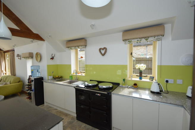 KITCHEN OPEN PLAN...