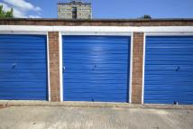 Garage in 19 Hurstleigh Gardens for sale