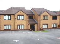 Ground Flat to rent in Moorland Road, Biddulph...