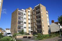 2 bedroom Flat in Overcliff, Manor Road...