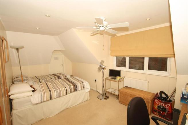 Bedroom 2 USE.JPG