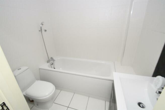 bathroomflat1.JPG