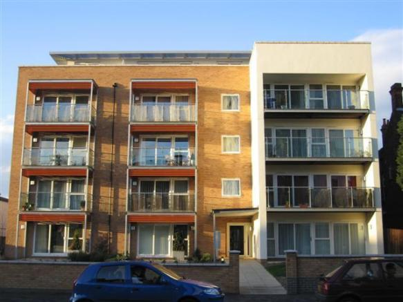 2 bedroom apartment for sale in southchurch road southend for J bathrooms westcliff