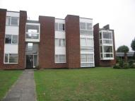 1 bedroom Flat in Thorpe Hall Avenue