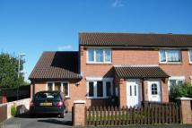2 bedroom semi detached house to rent in Allington Close, Taunton