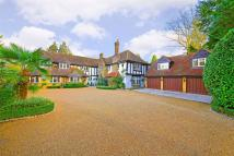 6 bedroom Detached home in Loom Lane, Radlett...