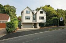 Detached home in 29 Aldenham Avenue...