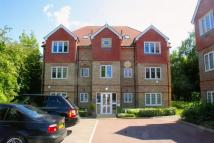 Flat to rent in Highbridge Close...