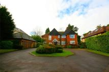 4 bedroom Detached home in Newlands Avenue, Radlett...