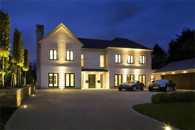 8 bedroom detached house for sale in newlands avenue radlett wd7