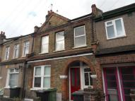 Maisonette in Malyons Road, Ladywell...