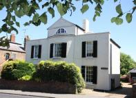 5 bed Detached property in Dover Road