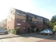 Flat to rent in HIGHAM STATION AVENUE...