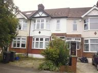 Terraced house to rent in Chestnut Avenue...