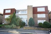 2 bed Flat in Warren Road...