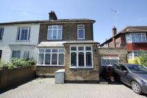 4 bedroom semi detached house in Northcroft...