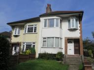 Flat to rent in Whitehall Road, Chingford