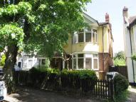 2 bed Flat to rent in Douglas Road, Chingford