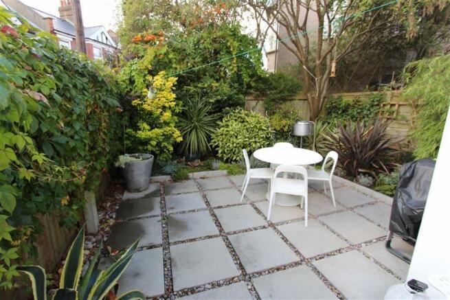 Courtyard Style Rear Garden