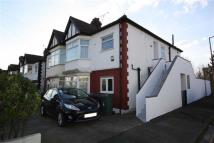 Flat in Hall Gardens, Chingford