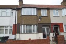 3 bedroom Terraced property to rent in Salisbury Road, Chingford