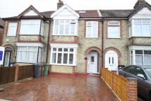 4 bedroom Terraced house in Hampton Road, Chingford