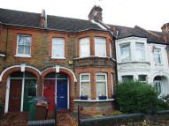 2 bed Maisonette to rent in Chingford Lane...