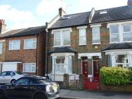 Flat to rent in Woodville Road, London...