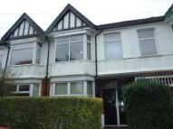 2 bedroom Flat to rent in Maybank Road, London, E18