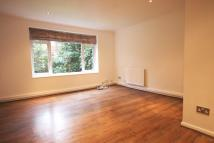 Ground Flat to rent in Broadway Close...